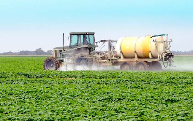pesticides_ spraying field