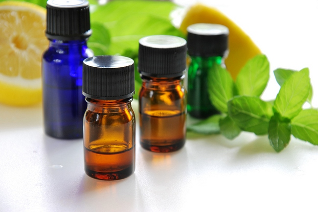 essential oils with lemon and mint