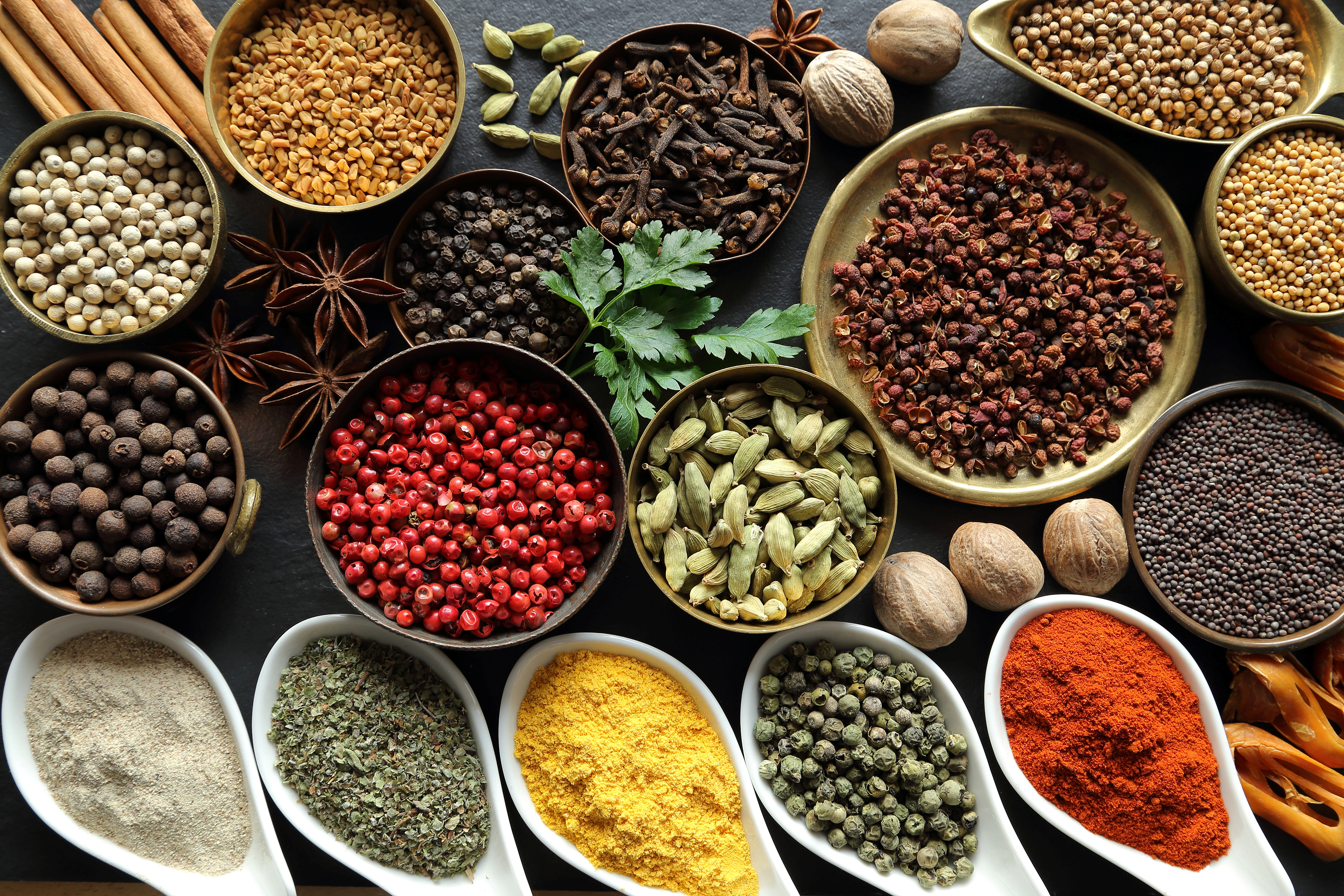 10 Spices That Do Everything From Preventing Heart Attacks
