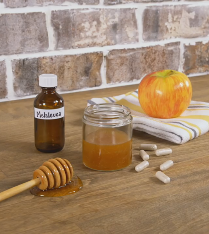 Get Clear Skin With This Homemade Honey Face Wash Video