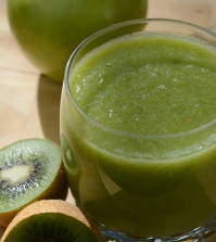 Try This 2 Ingredient Juice For Clear & Glowing Skin Video