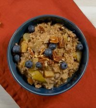 Baked Oatmeal Recipe With Cinnamon and Apple To Warm Up Your Winter Days Video