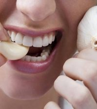 7 Health Reasons To Eat A Clove Of Fresh Garlic Everyday Video