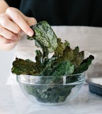 Learn How To Make Crispy, Delicious And Healthy Snack – Kale Chips Video