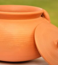 Could Clay Pots For Cooking Be Healthier Than Conventional Cookware? Video